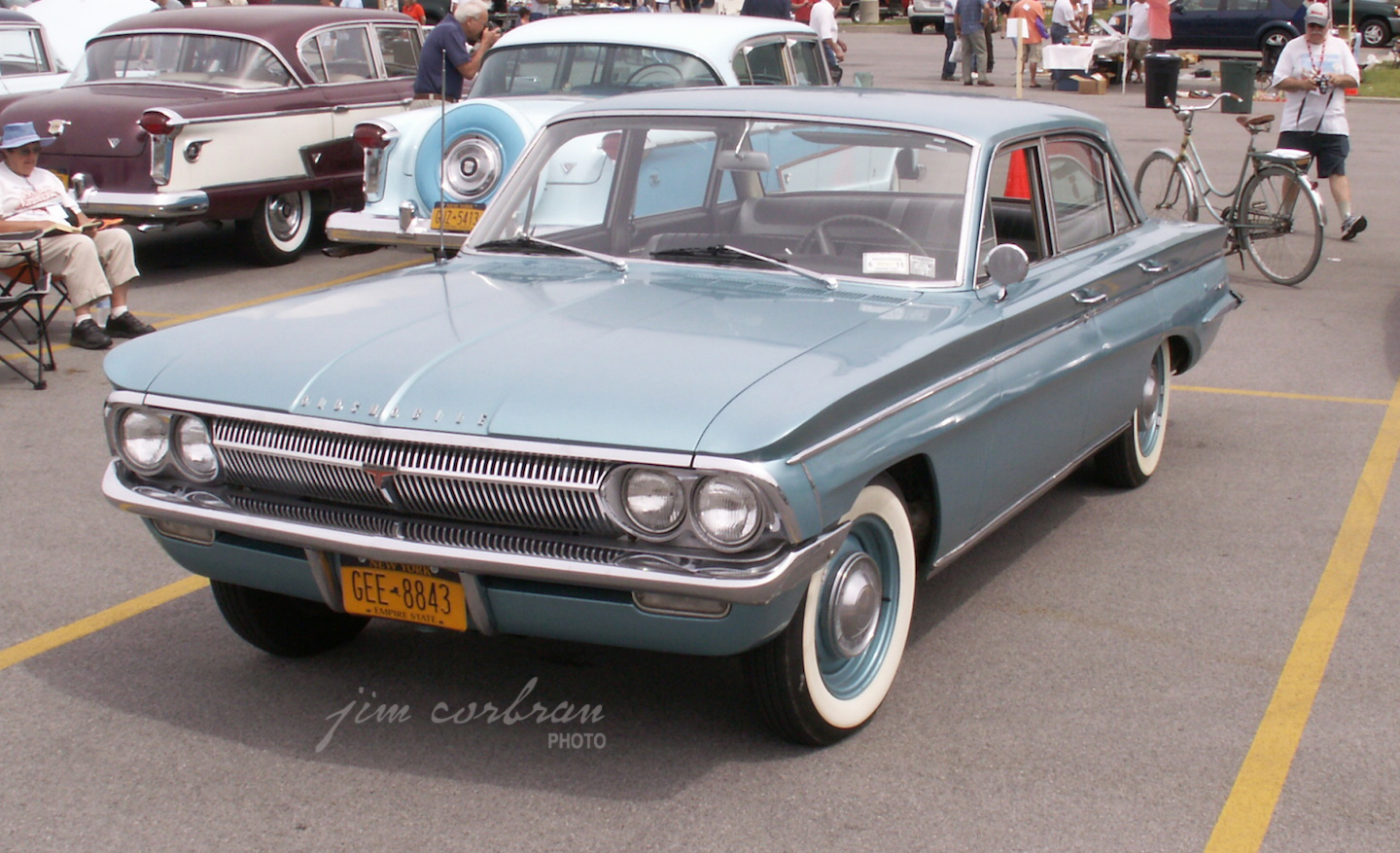 RealRides of WNY - 1962 Olds F-85