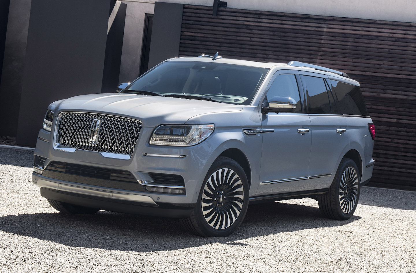 AS SUBTLE AS A TWO-BY-FOUR ACROSS THE FOREHEAD  — the 2018 Lincoln Navigator