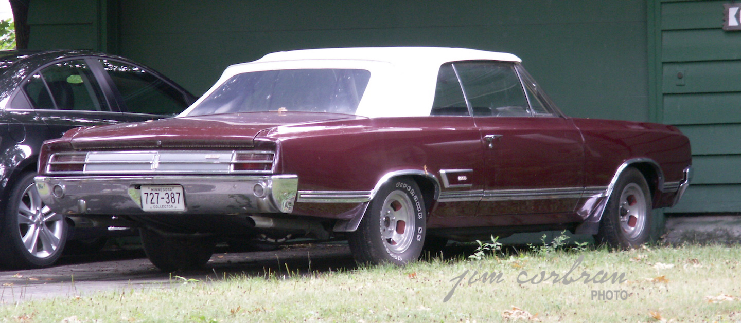 RealRides of WNY - 1965 Olds 4-4-2