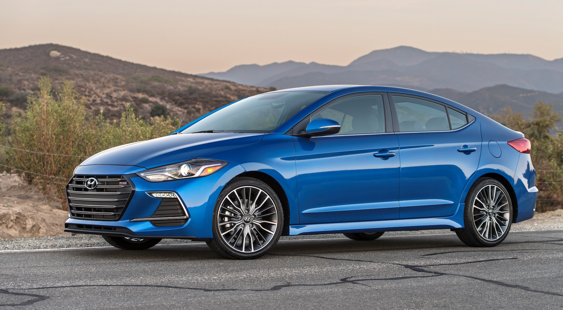 THE 2017 ELANTRA SPORT: NOT YOUR FATHER'S HYUNDAI…