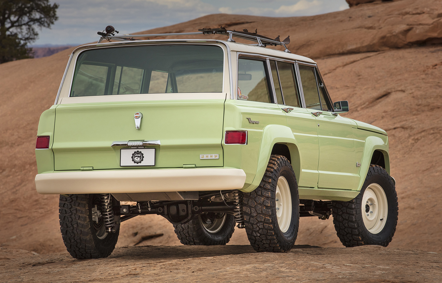 START LETTER-WRITING TO JEEP — THIS MIGHT JUST SELL! — 1965 Jeep Wagoneer Roadtrip concept